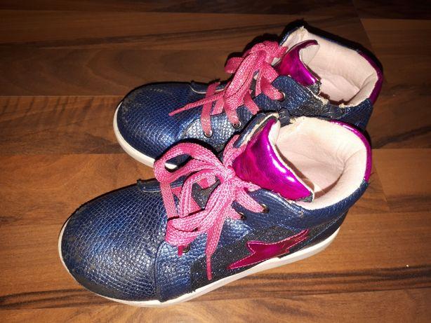 Ботинки для девочки 30