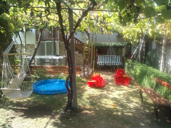 Къща за гости на язовир Жребчево