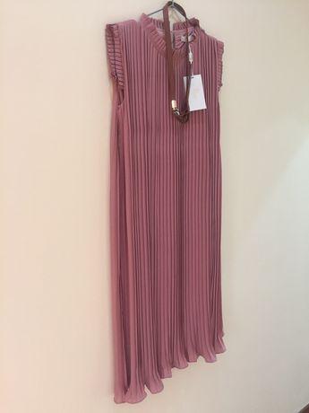 Продам новое плиссированное платье