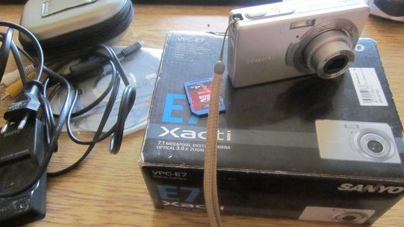 Фотоапарат Sanyo Xacti E7