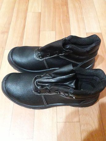 Обувь рабочая новая