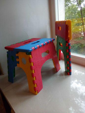 Продаются два детский пластиковых стульчика