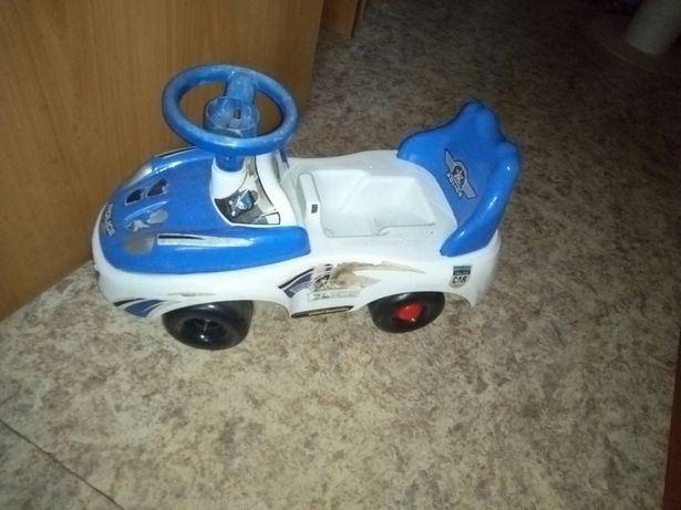 Машинка толокар игрушки