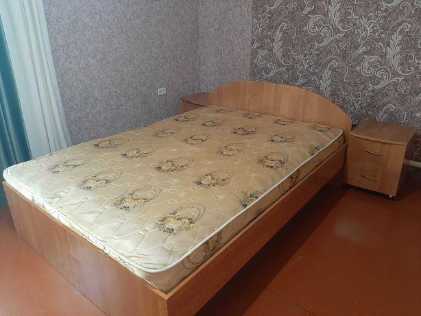 Кровать, шкаф, тумбочки