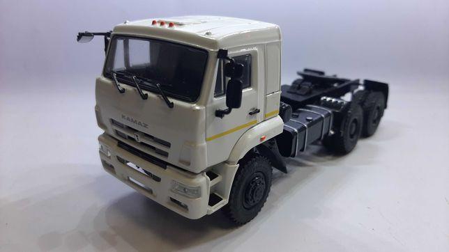 Модель КамАЗ 65225 в масштабе 1/43 (новая)