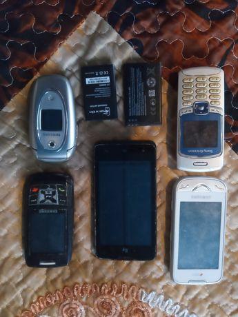 Продам на запчасти телефоны и зарядки или обменяю.