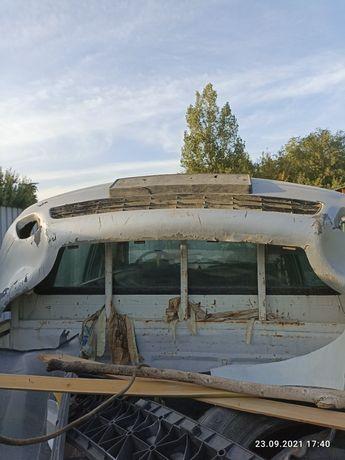 Крыло левая передная и бампер передний на ауди Б 4