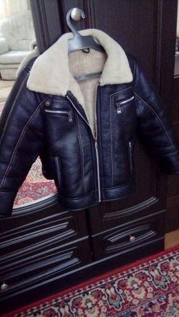 Продам куртку детскую рост 110-116см.
