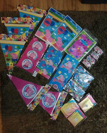 Лот 24 части Peppa Pig покани, банери, торбички и др.
