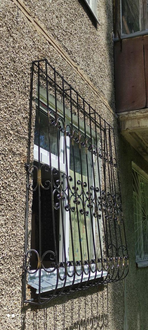 Решетки на окна Алматы и решетки от выпадения детей