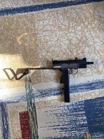 Arma airsoft MAC 11
