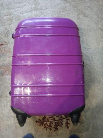 Куфар карета с колела 63 литра