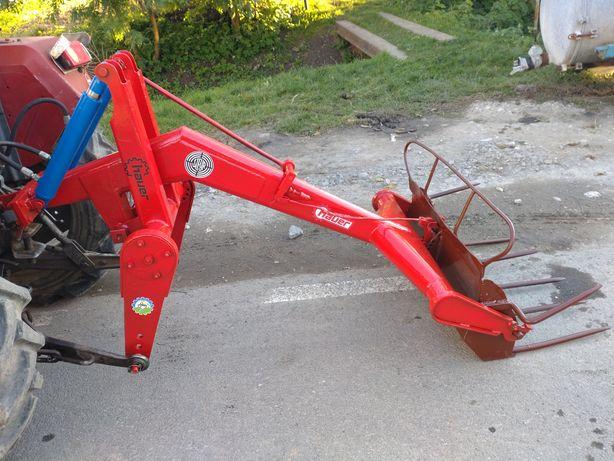 Incarcator pe tirant dupa tractor