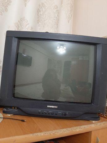 Телевизор рабочем состоянии