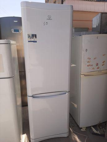Продам холодильник Индезит в хорошем рабочем состоянии