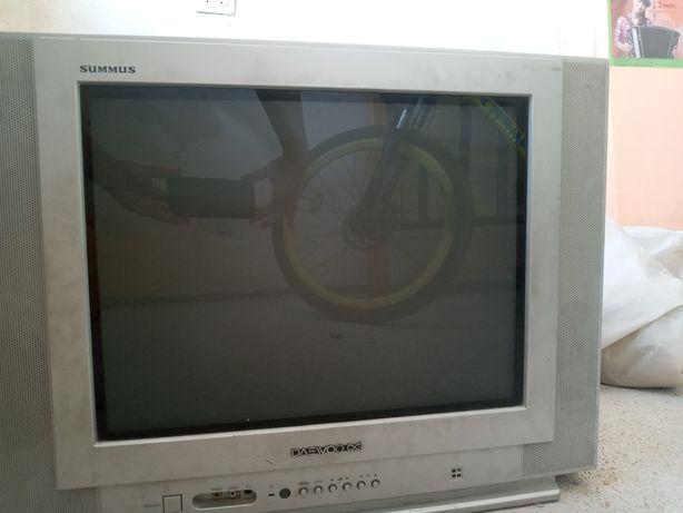 Срочно продам телевизор в рабочем состоянии,