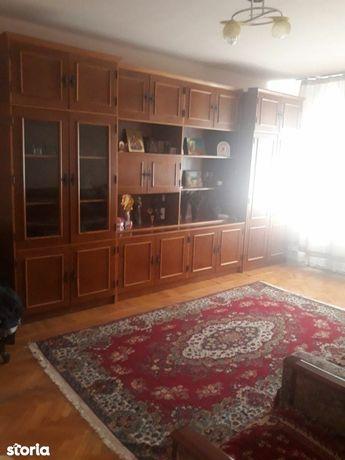 Apartament 2 camere Rovine