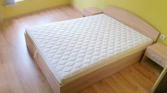 НОВИ Спални+матрак , дъно и механизъм за повдигане
