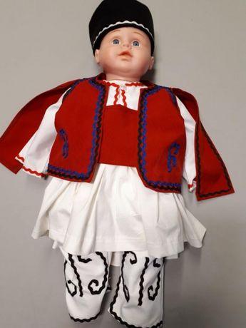 Бебешка македонска народна носия