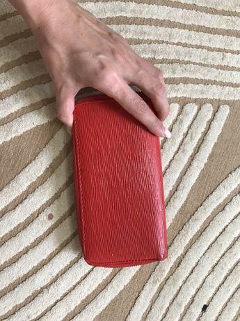 красное портмоне