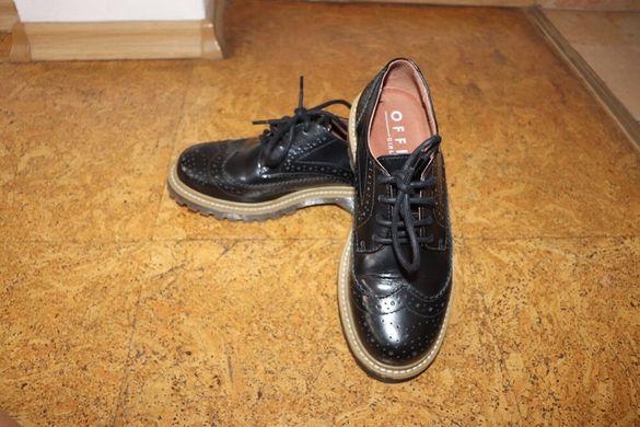 Кожени обувки за момиче