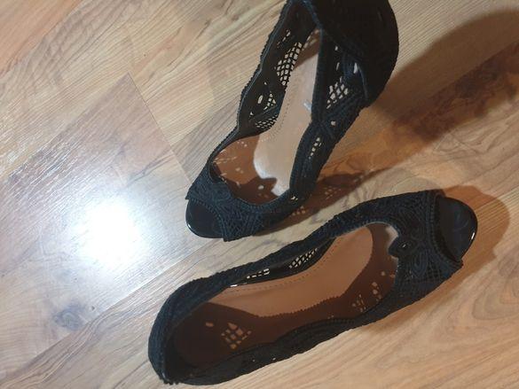 Обувки имитация дантела