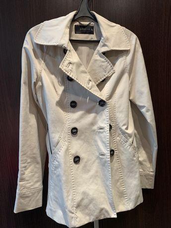 Короткий плащ фирмы Zara. Легкая куртка на весну/осень. 42-44 размер.