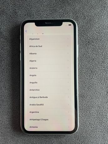Vand iPhone 11 White 64Gb neverlocked alb -  model rar
