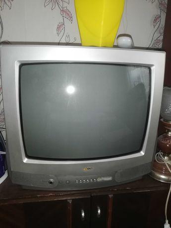 Телевизор LG б.у.