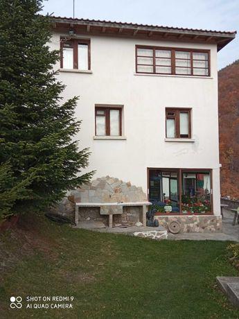 Продава къща за гости с.Сини Връх /Белинташ /