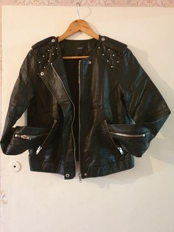 Кожаная куртка,куртка с заклепками