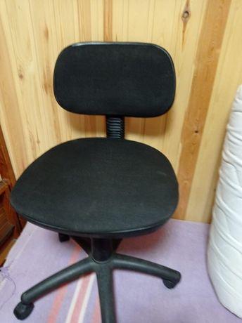 Продам офисное Кресло