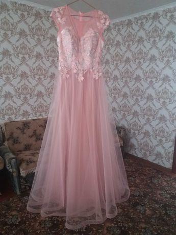 Платье вечернее 44 размер