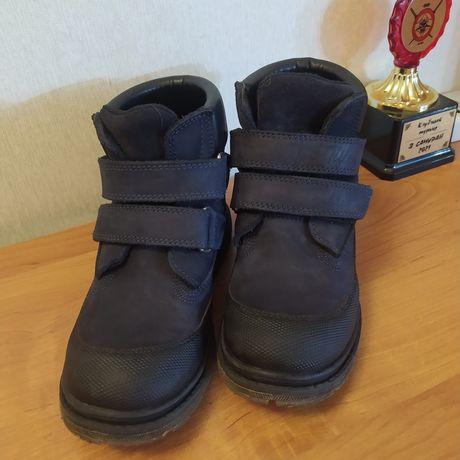 Продам детскую обувь размер 30
