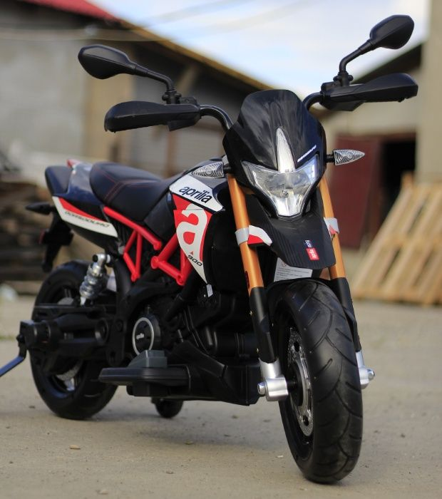 Motociclete electrice APRILIA DORSODURO 900, recomand 3+ ani #Negru Braila - imagine 1