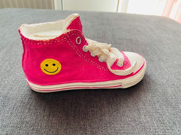 Касичка за пари с форма на обувка