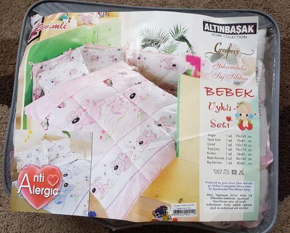 Детские принадлежности в кроватку