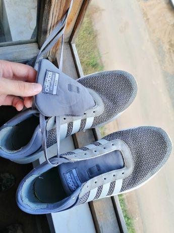 Продам кроссовки, после стирки и ремонта