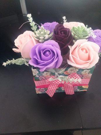Cadouri ...flori naturale..artificiale sau de sapun