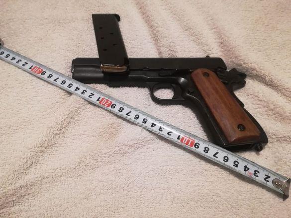 Не револвер, а пистолет Колт / Colt .45. Колекционерско негърмящо оръж