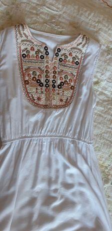 Платье летнее, очень легкое, приятное на ощупь