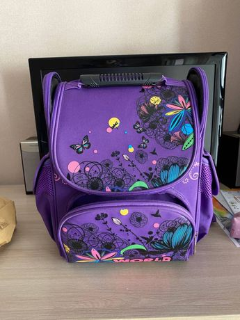 Продам школьный рюкзак для девочки