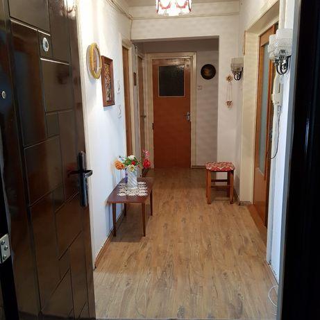 Vând apartament 3 camere în Făgăraș