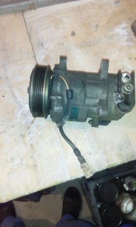 Vand piese peugeot 206 cc din2001...motor 1600