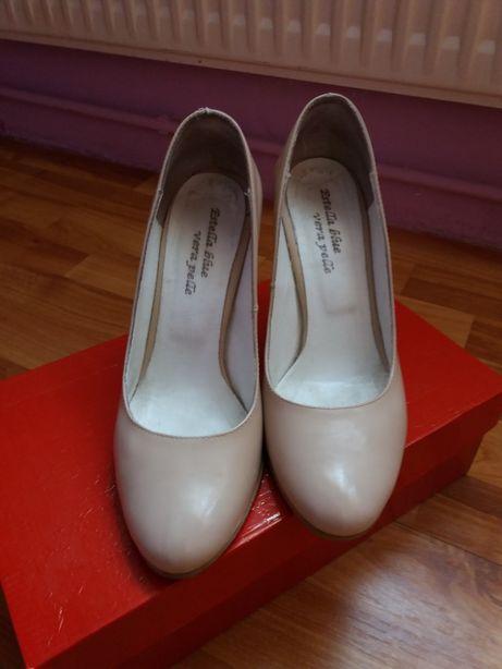 Pantofi si cizme piele