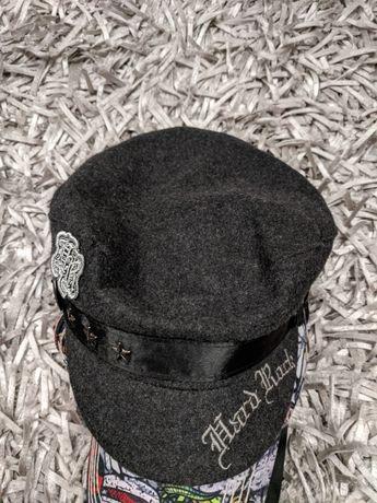 Vând Șapcă basc copii fete Burberry și Hard Rock original din lînă
