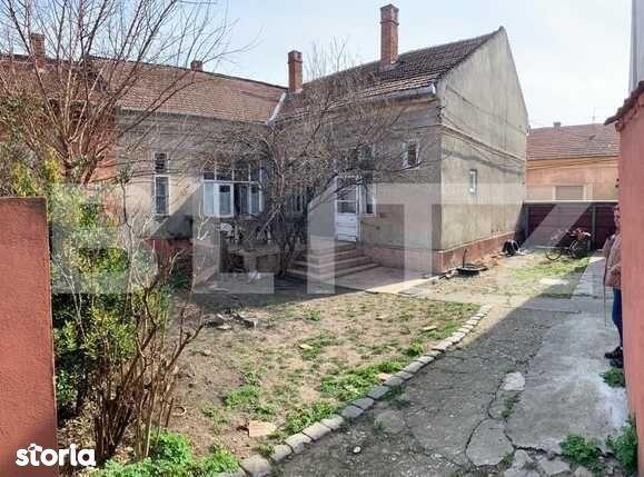 Casă de 169 mp utili, 327 mp teren, zona centrală Oradea