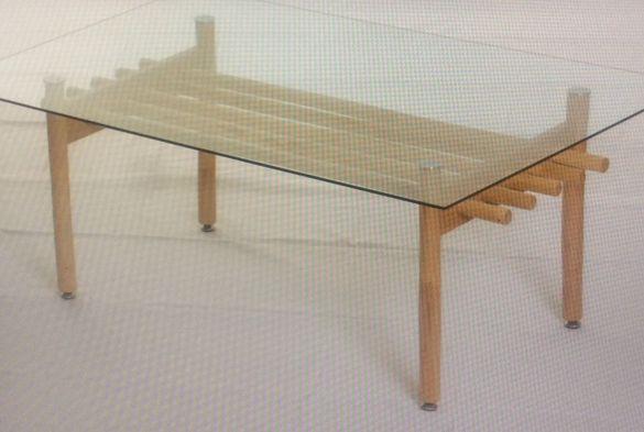 Ратанова маса със стъклен плот