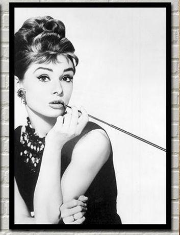 Постер Одри Хепбърн