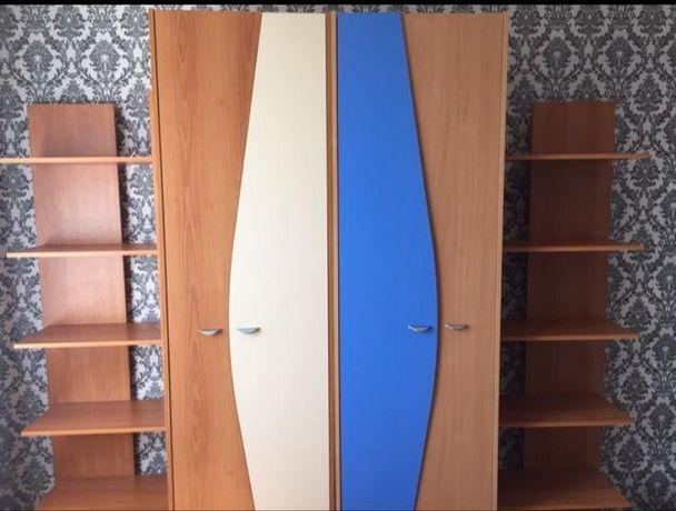 Шкаф два с двумя книжными полками